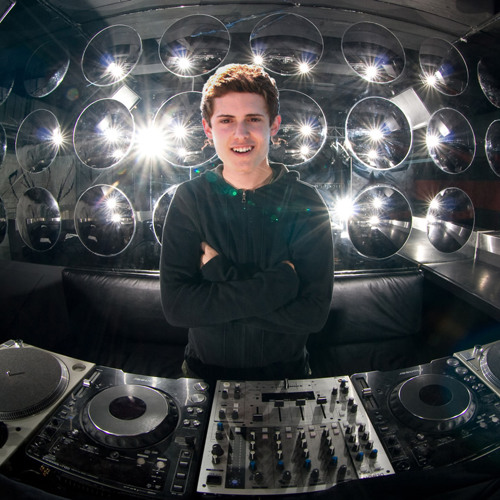 DJ Beauch's avatar