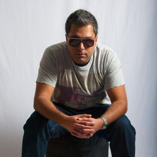 Nik Mandalia's avatar