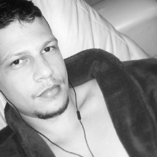 Tiago Corrêa Veloso's avatar
