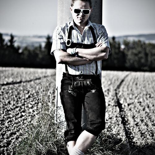 Straussn's avatar