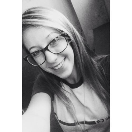 Julia Canavezi's avatar