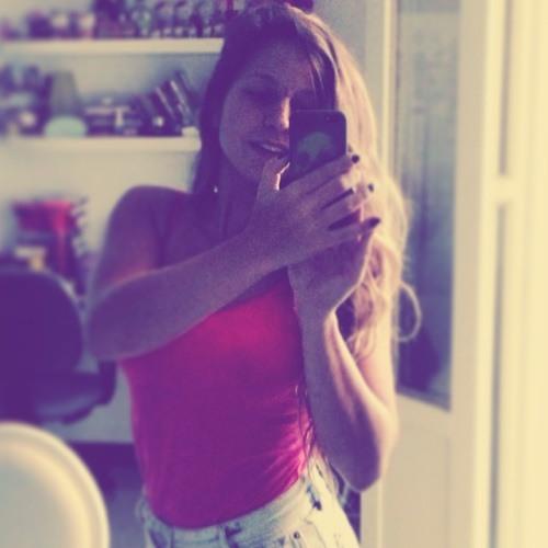 Lara M Luedemann's avatar