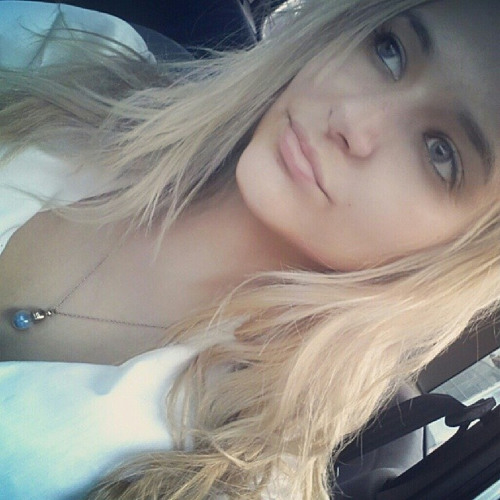Mia Arruda's avatar