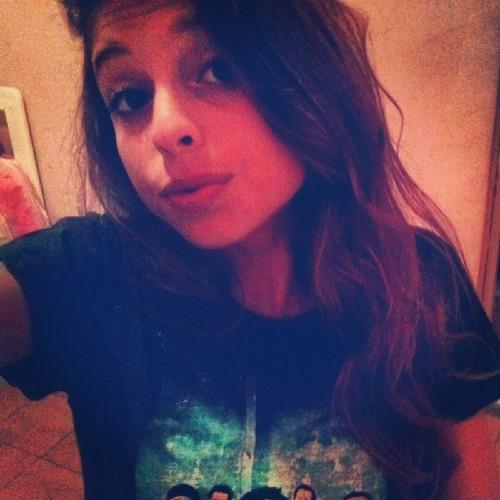lais moreira's avatar