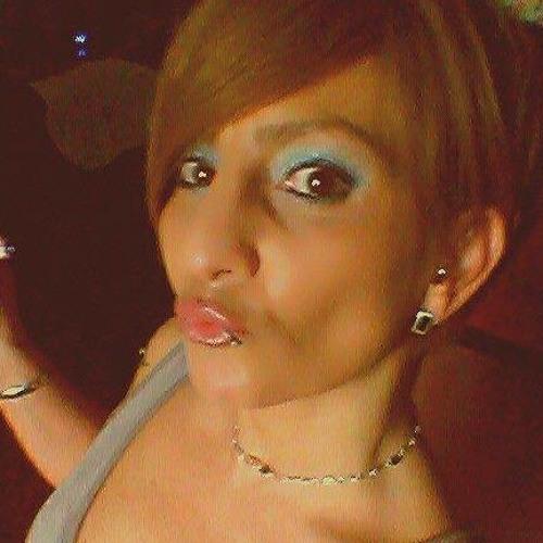 Claudia Riley's avatar