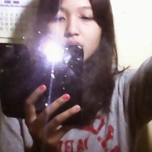Fitri Dwi Ang's avatar