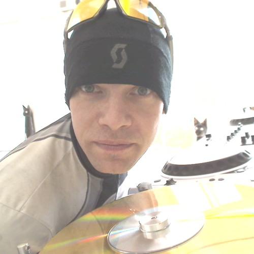 Dee . Jee . Peer's avatar