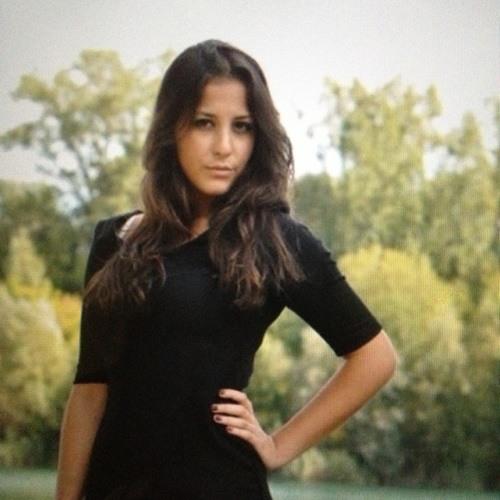 Ann@20's avatar