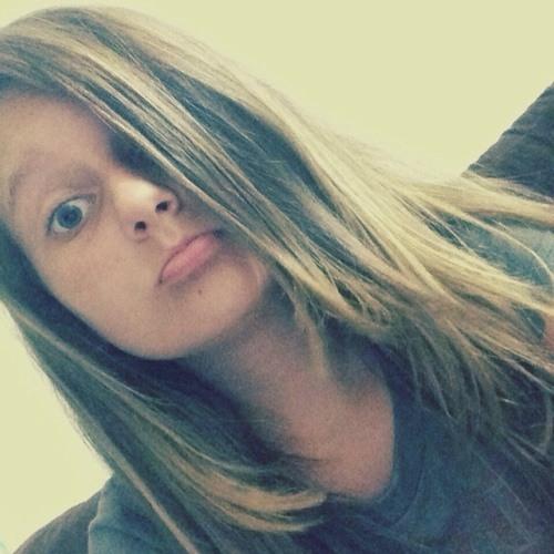 Julia Fazzio's avatar
