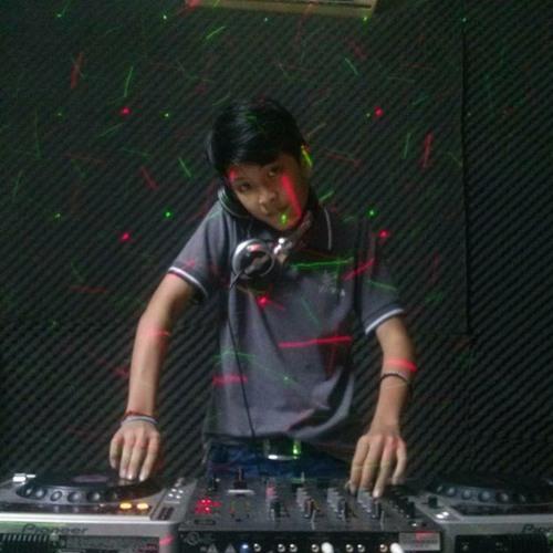 Huy Chuối's avatar