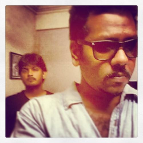 Varun Bhonsle's avatar