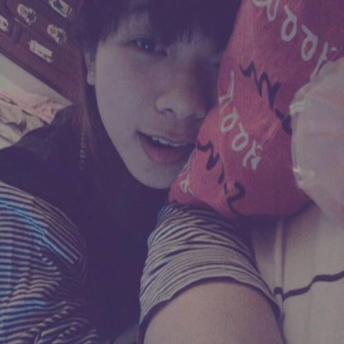 KateHoang's avatar