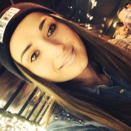 Fabiola Be's avatar