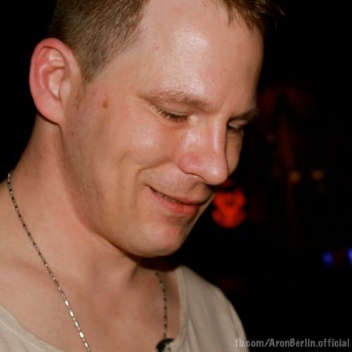 Aron Berlin's avatar