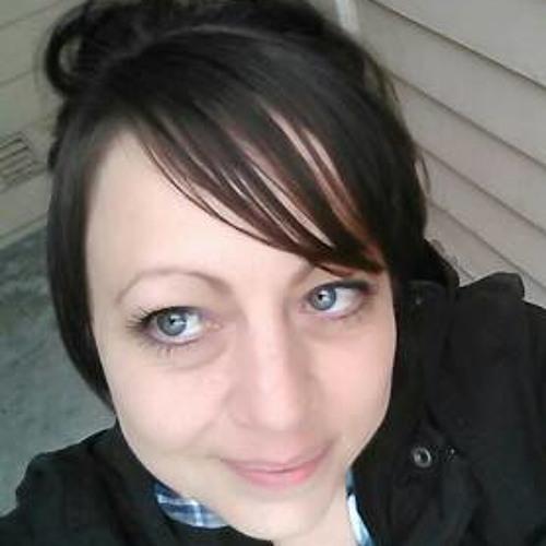 Sarah Estrella's avatar