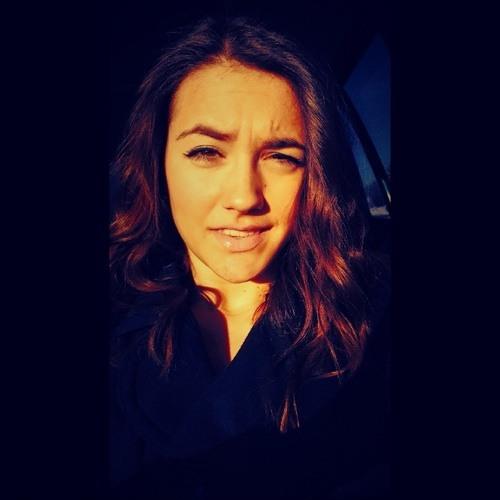 Linda Eva Pires's avatar