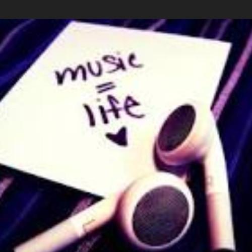 LoveMusic4Ever's avatar