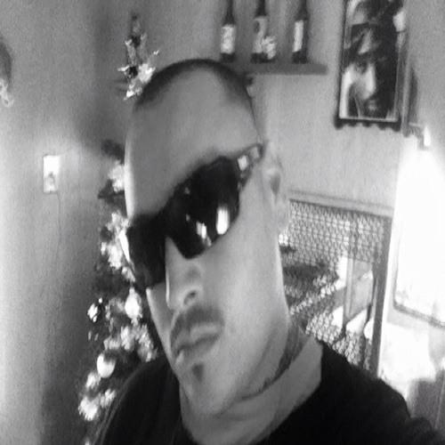 Keeping100@lld@m3d@y's avatar