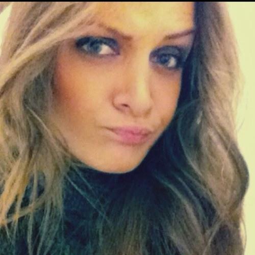 Andreaaa Pique's avatar