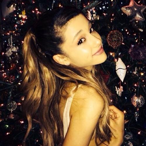 Ariana Grande ✨'s avatar
