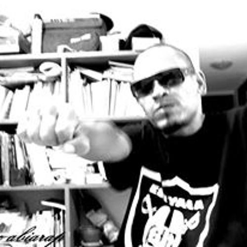Carlos Kmc Abiarap's avatar