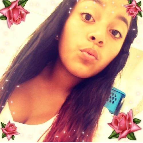 ayo_michelle_cebrero's avatar