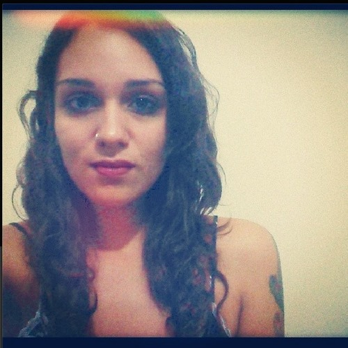 Isabelle Araújo 3's avatar