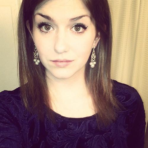 Julianne.M's avatar