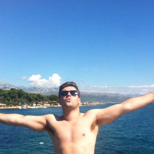 Robbie Ealand's avatar
