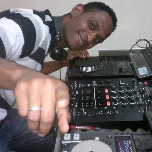 DJ WILLIAN's avatar