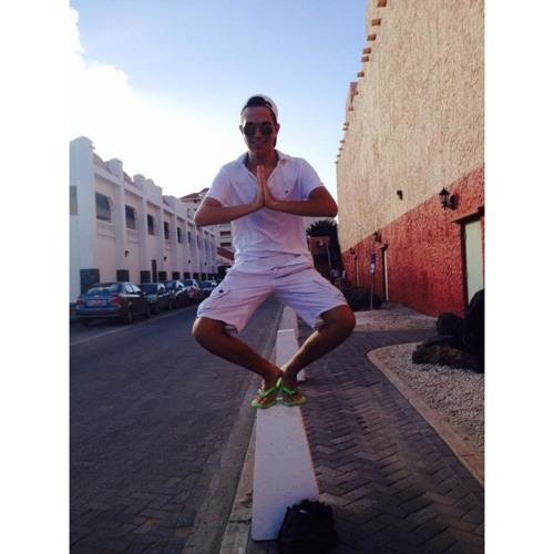 Isac Carvajal S's avatar