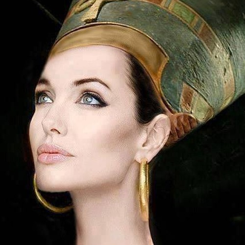 Yara Shokry's avatar