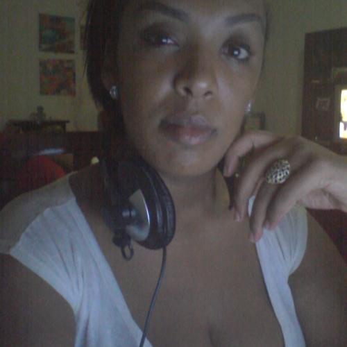 Ana Gomes 20's avatar