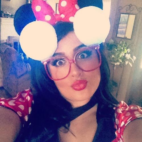 Julie Orellana's avatar