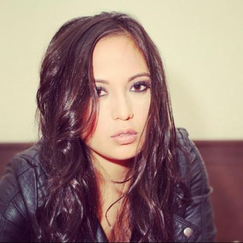 Anneluzelia's avatar