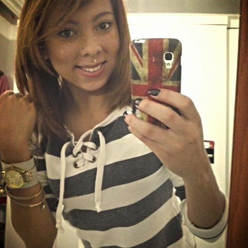 Caroline Cassia's avatar