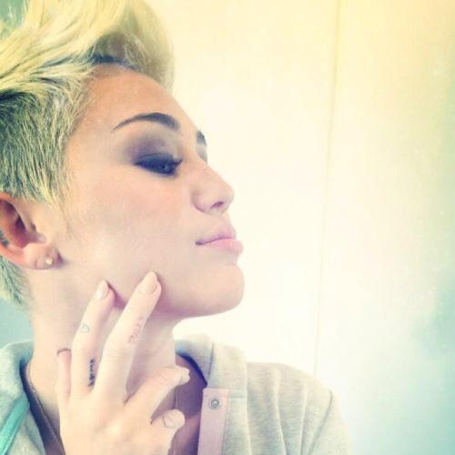 Miley Cyrus 's avatar