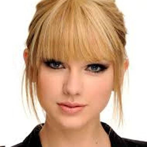 queenb99's avatar