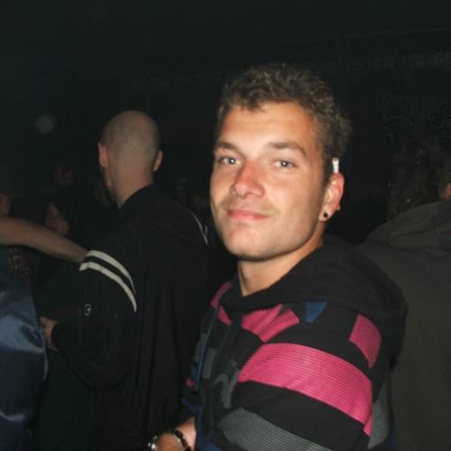 leroy 22's avatar