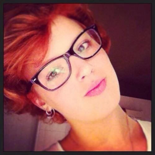 redhead ✌️'s avatar