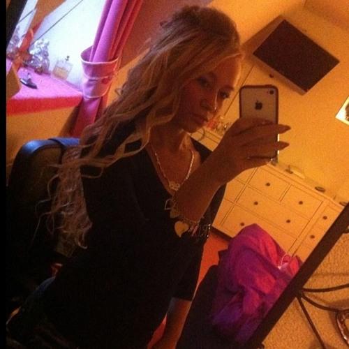 Mandy Hell's avatar