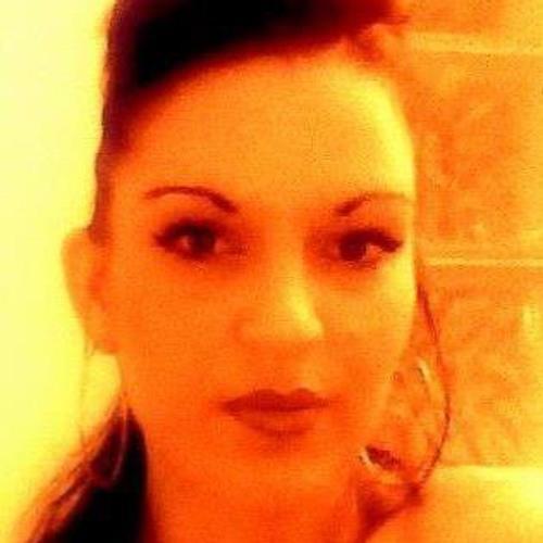 Malya Kaya's avatar