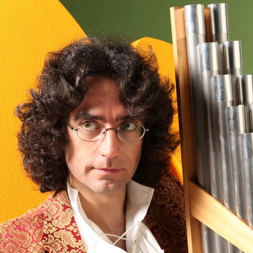 Roberto Lucanero's avatar