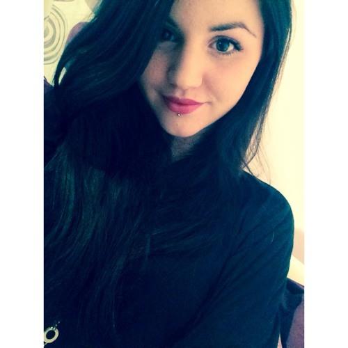 Fanny Vario's avatar