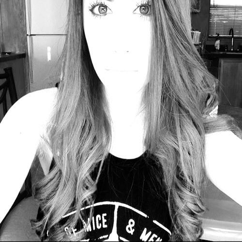 Lory Rodriguez's avatar