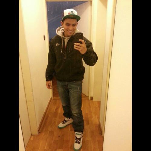 Orlando Mendoza 15's avatar