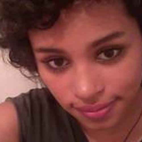 Ana Carol 14's avatar