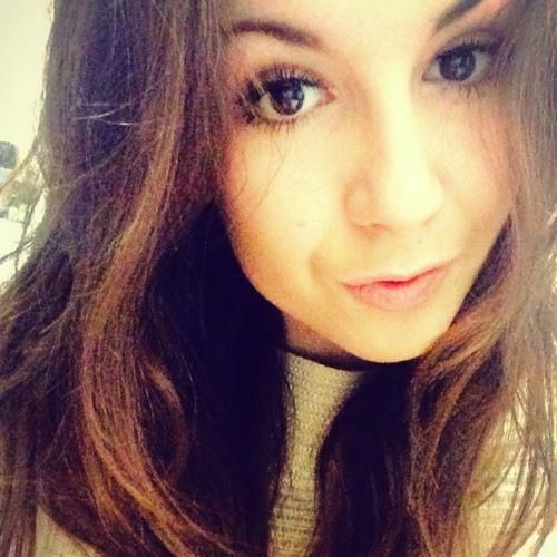 Courtney Glue's avatar