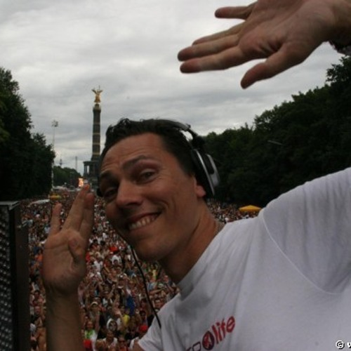 Tiësto - Club Life 352's avatar