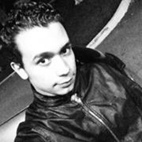 Luis Tambito's avatar